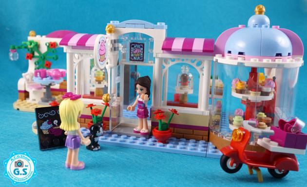 LEGO乐高 女孩系列41119-心湖纸杯蛋糕咖啡厅